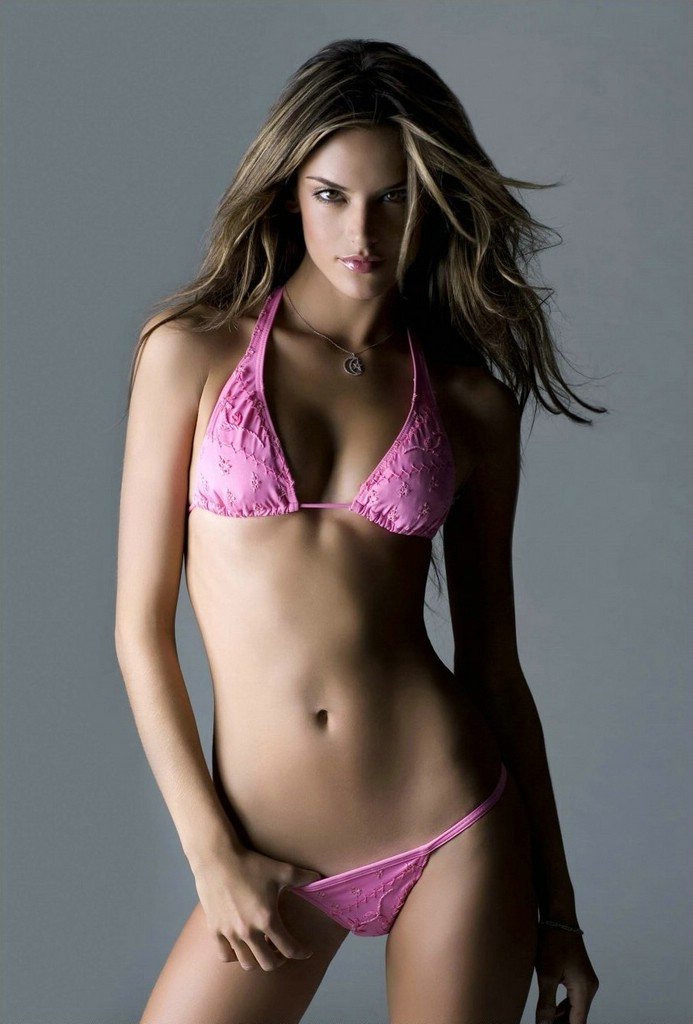 Alessandra Ambrosio Sexy Hot Wallpaper