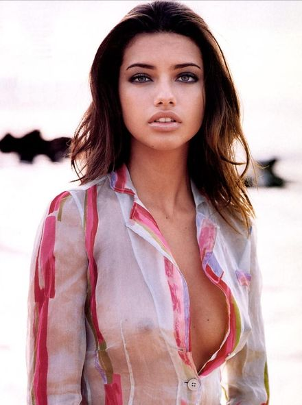 Victoria�s Secret Model Adriana Lima Buys $9 Million Miami Beach Dream Home