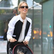 Czech supermodel, Karolina Kurkova looks great in leather pants