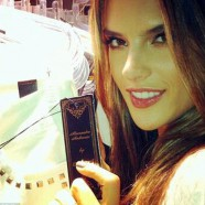 Alessandra Ambrosio goes it alone to launch Colcci�s latest clothing line