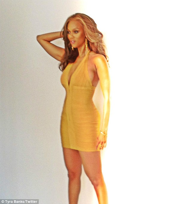 Tyra Banks Forehead: Tyra Banks Is Back And She's Sizzling Hot!