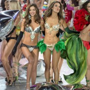 Its down-time for Alessandra Ambrosio and Miranda Kerr