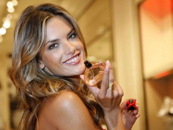 1359579656_tmp_Alessandra_Ambrosio