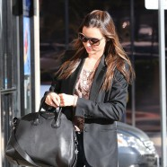 Miranda Kerr dons a pair of too-tight jeans for outing