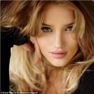 Grrr!�.Rosie Huntington-Whiteley lets out her wild side