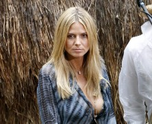 Heidi Klum keeps her curves under wraps