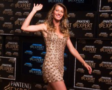 Gisele Bundchen is BACK!