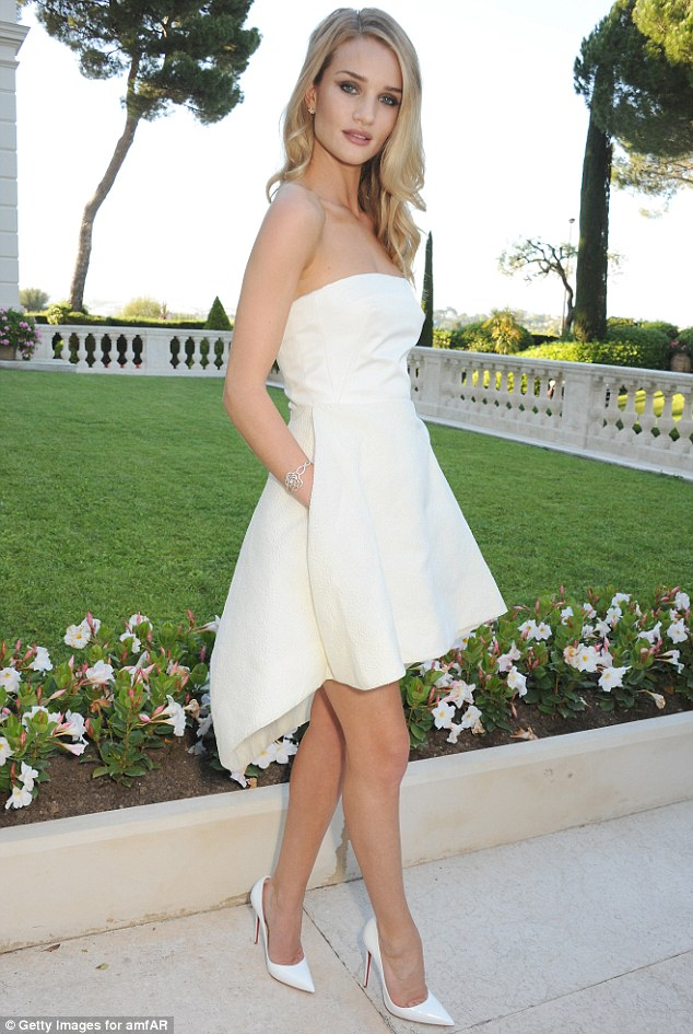 It was �go white� at the 2013 Cannes amFAR Cinema Aids Gala