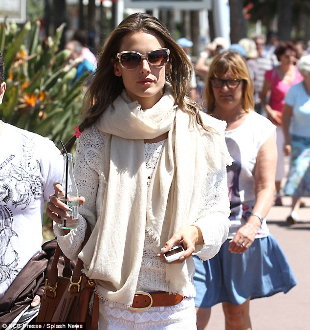 Alessandra Ambrosio puts her �style sense� to the test again
