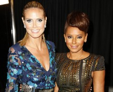 Heidi Klum is stunning in blue dress!
