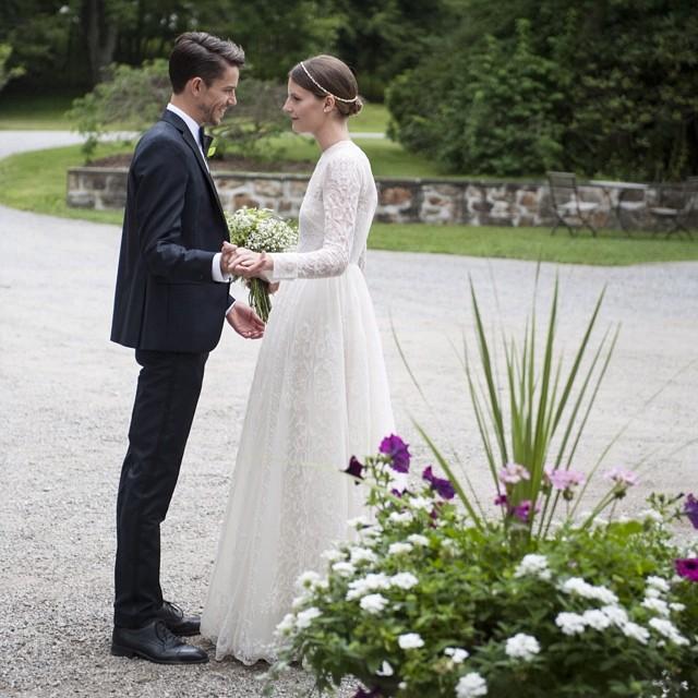 sara-blomqvist-valentino-wedding-dress