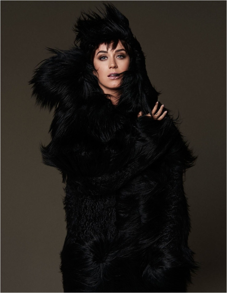KatyPerryFashionVogue03-800x1444