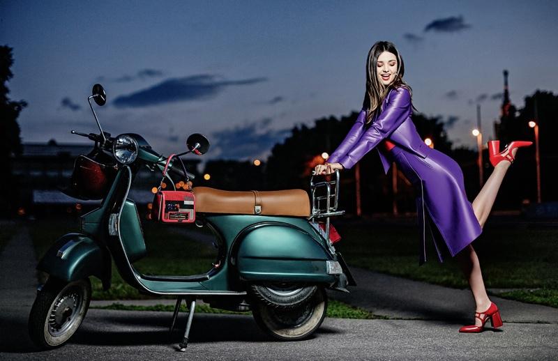 Miranda-Kerr-Tatler-Russia-October-2015-Cover-Photoshoot03