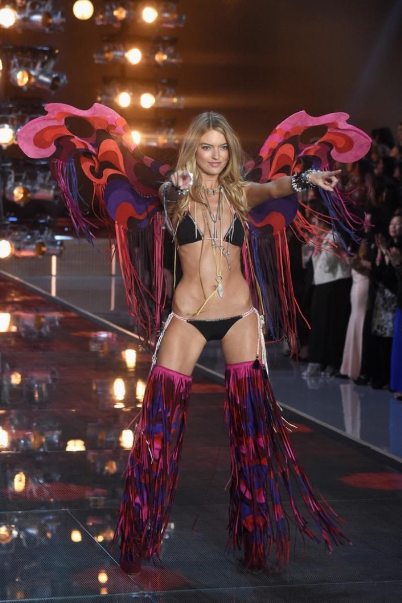 29-Victorias-Secret-2015-Fashion-Show-Photos-Martha Hunt