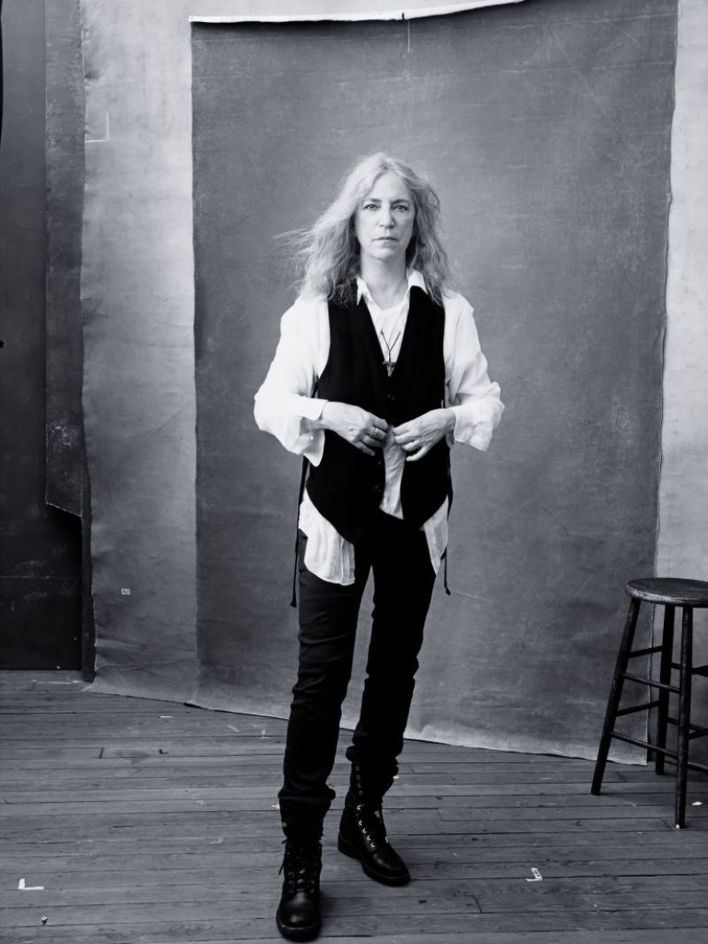 gallery-1448887959-pirelli-calendar-2016-november-patti-smith