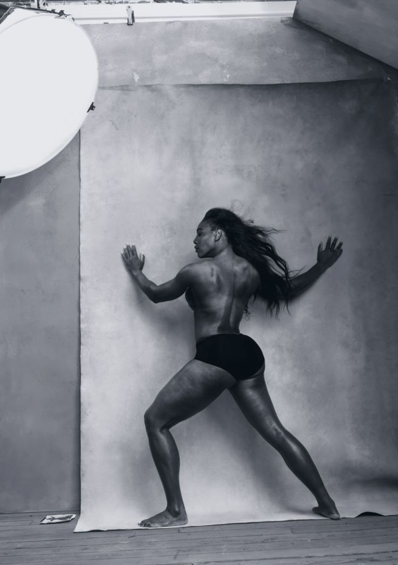 gallery-1448906807-pirelli-calendar-2016-april-serena-williams-pirelli