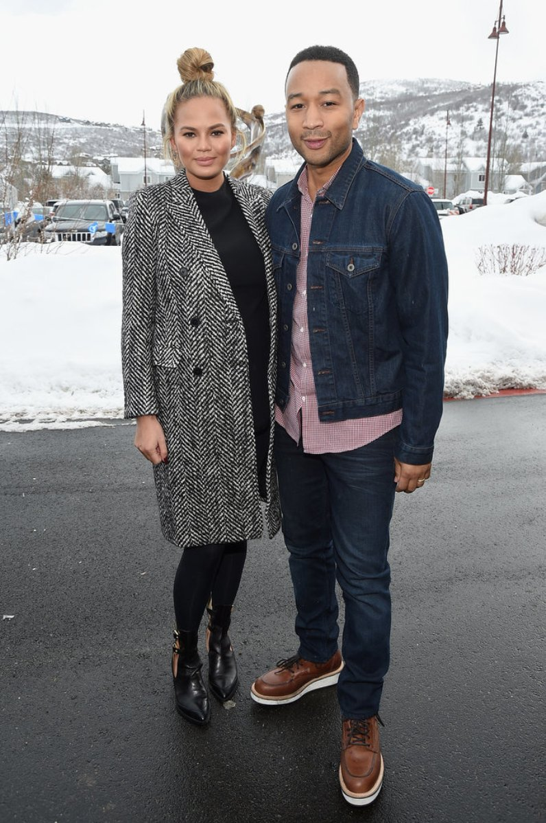 Chrissy-Teigen-John-Legend-Sundance-Jan-2016 (2)