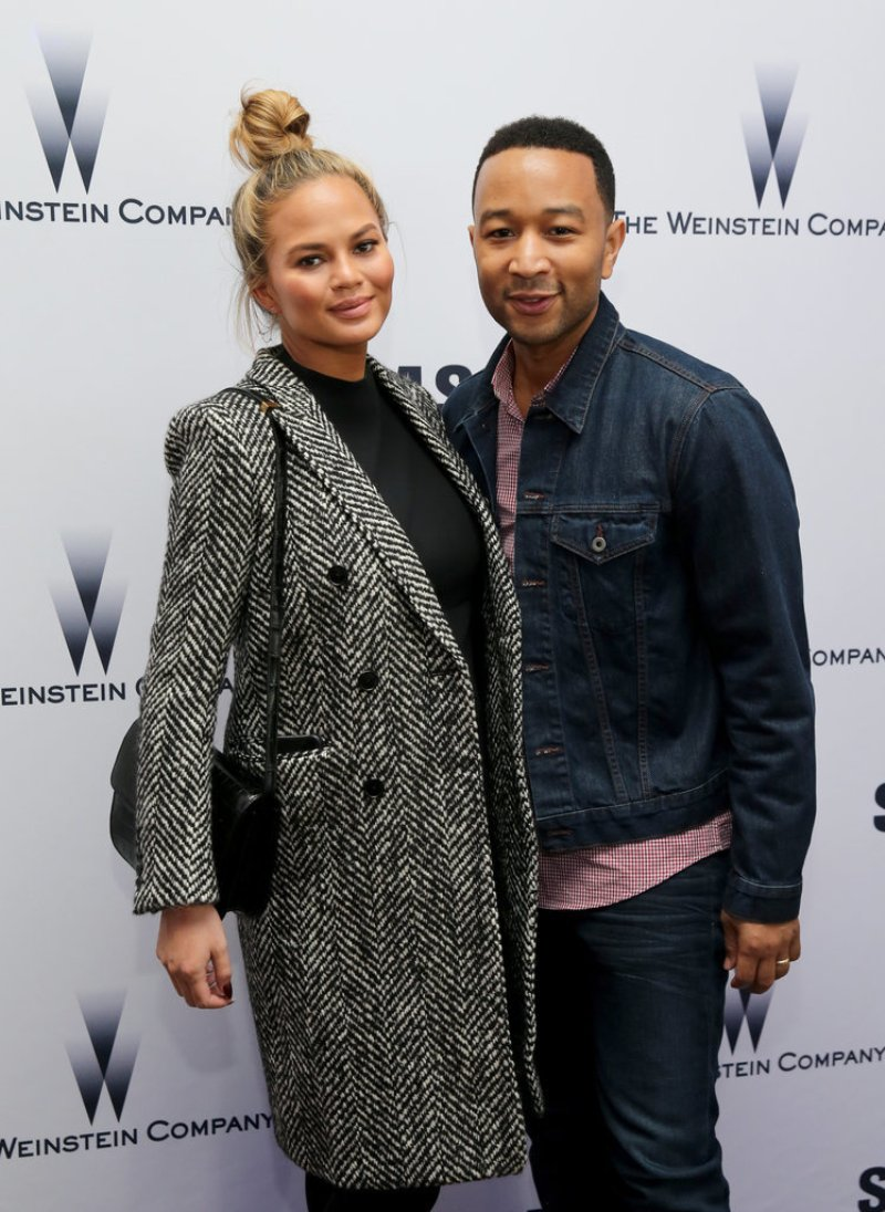 Chrissy-Teigen-John-Legend-Sundance-Jan-2016 (3)
