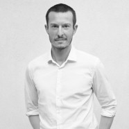 Jonathan Saunders steps down as creative director of DVF