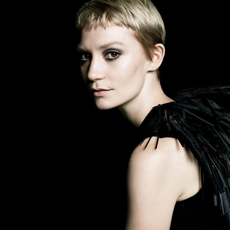 Prada-La-Femme-Perfume-Campaign05