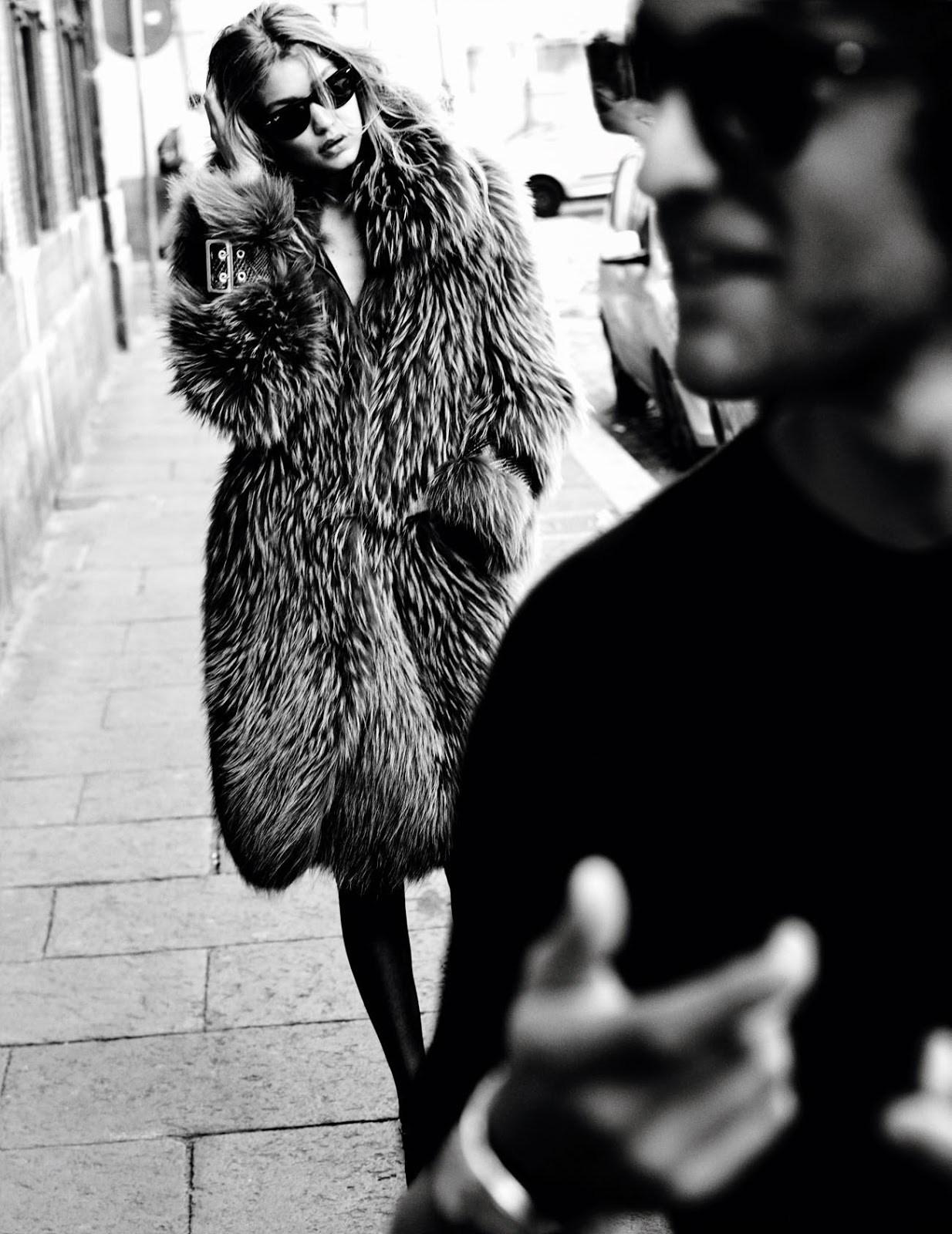 Gigi-Hadid-by-Mario-Testino-for-Vogue-Paris-November-2016