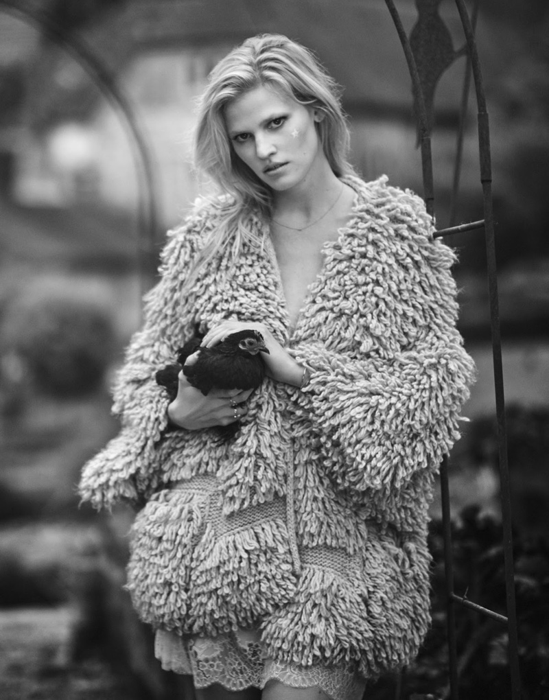 Lara-Stone-The-Edit-Photoshoot08
