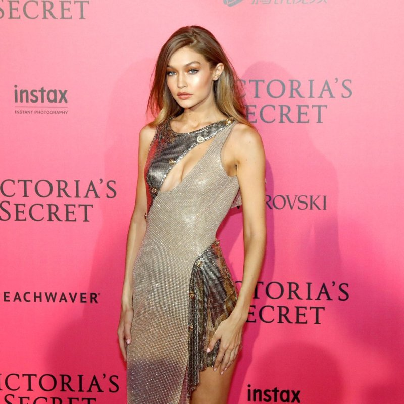 Victoria-Secret-Fashion-Show-Red-Carpet-2016
