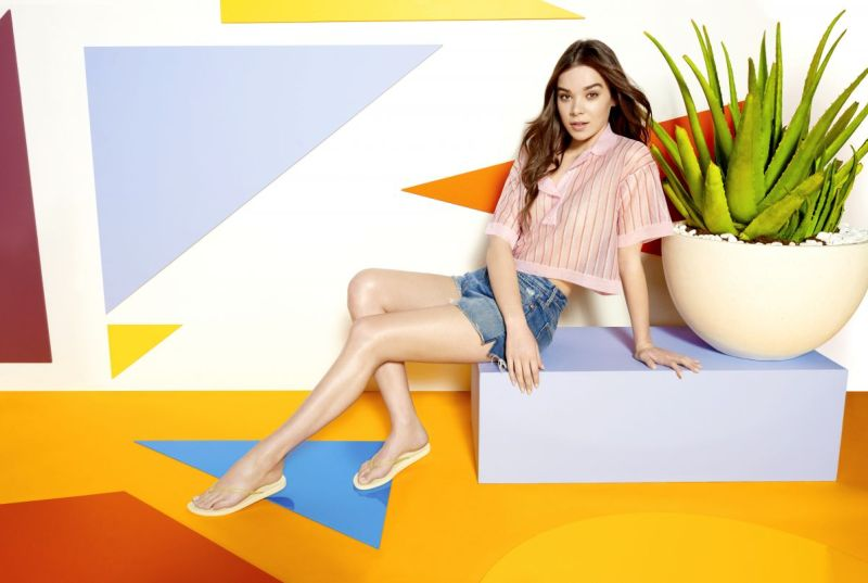 hailee-steinfeld-for-reef-escape-spring-summer-2017-collection_5