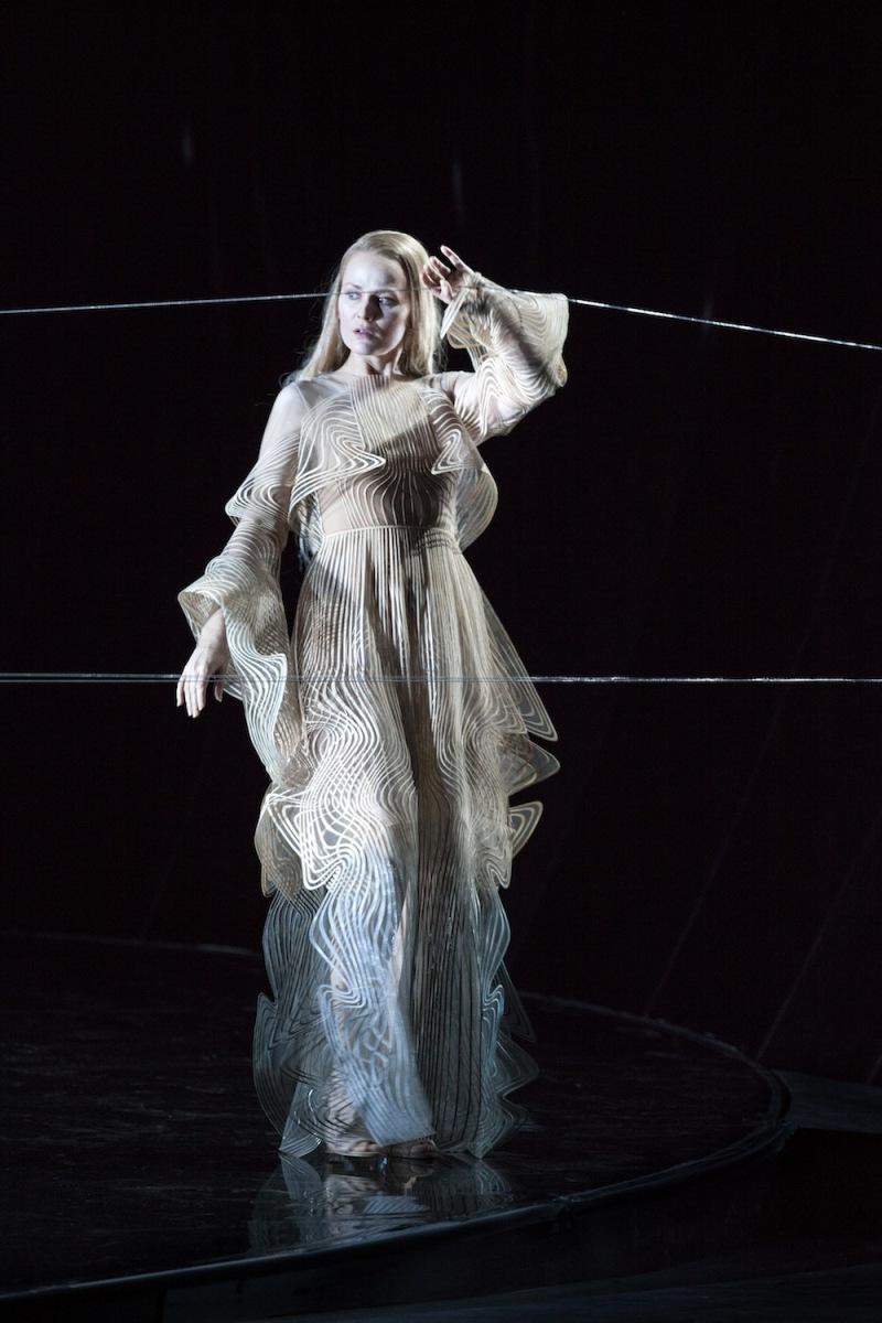 iris-van-herpen-anvers-opera